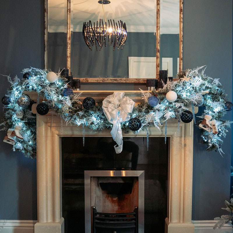 Cosy Chic Christmas Garland