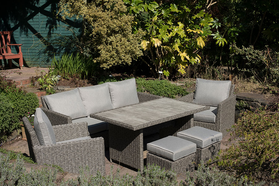 Stockholm Casual Dining Set with Luca Grey Parasol