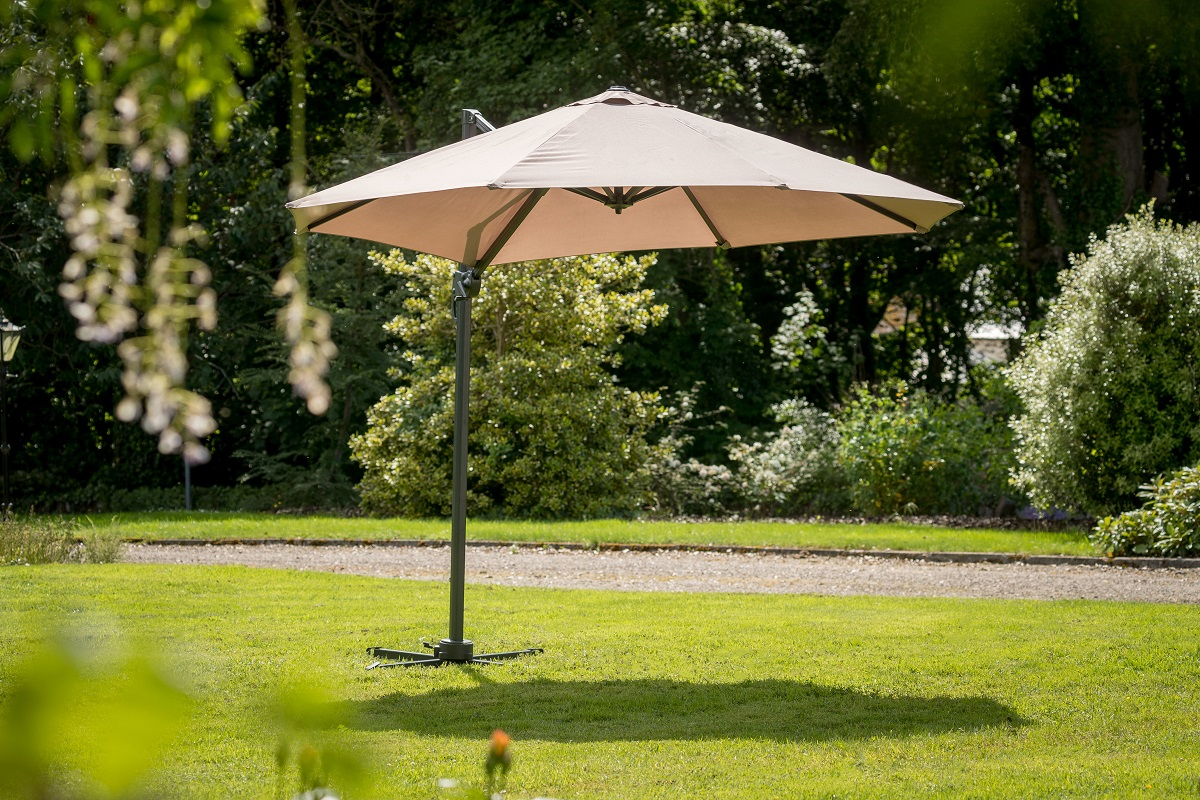 Roma 3m Deluxe Cantilever Taupe Parasol