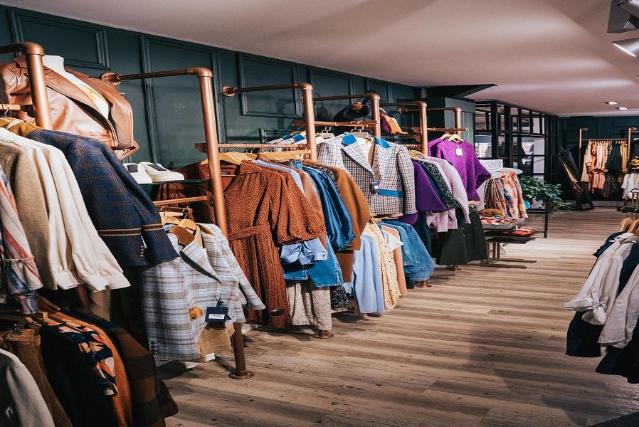 Fashion Store Corner